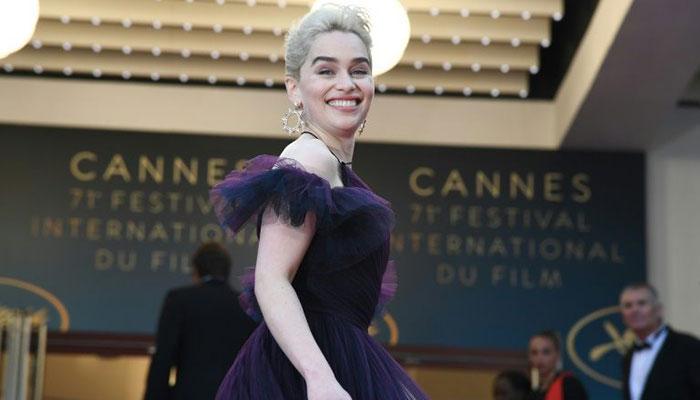 250 часов работы: как создавалось платье Эмилии Кларк для премьеры