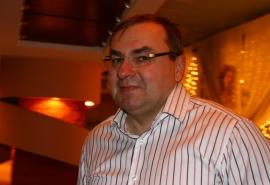 Омский бизнесмен Курцаев стал полноправным директором ресторана в центре города