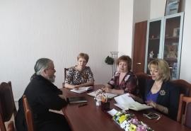 В Омской епархии заявили о вмешательстве школ в выбор родителей между религиозной и светской этикой