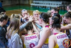 Главный тренер омского «Нефтяника» Елена Лазуткина: «Благодарна девочкам за сезон»