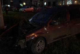 В Омске легковушка в клочья разнесла пассажирскую маршрутку