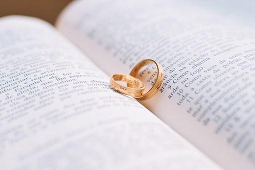 В Уфе женщина вышла замуж за покойника ради квартиры
