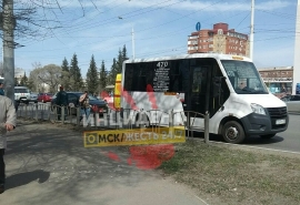 В Омске пенсионерка попала под колеса пассажирской маршрутки