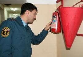 В Омске МЧС нашла в музыкальной школе пару десятков нарушений по пожарной безопасности