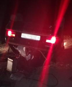 В Башкирии пьяный водитель опрокинул ВАЗ, двое пострадавших