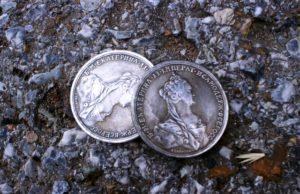 В Уфе шестеро мужчин обманывали пенсионеров при сбыте монет
