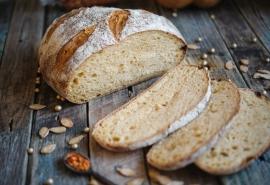 Омичка пожаловалась на хлеб «из будущего»