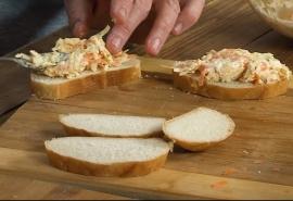 Популярный видеоблогер раскрыл секрет бутербродов по-омски
