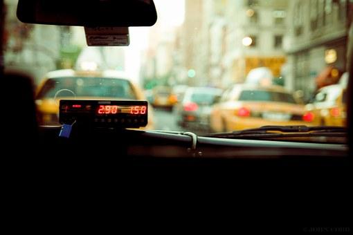 В Уфе пассажирка разбила в ДТП угнанное такси