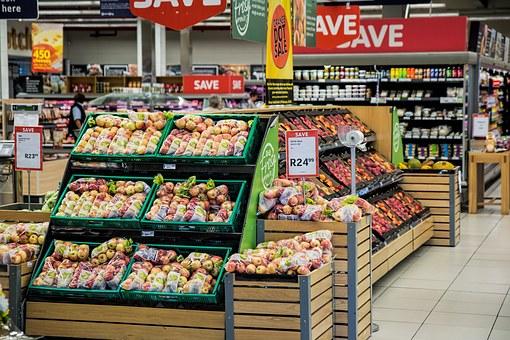 В России ретейлер начнет продажу еды в кредит