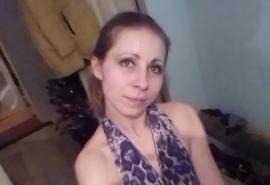На окраине Омска ночью пропала женщина, у которой остался маленький ребенок