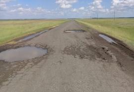 На родине маршала и министра обороны Язова омичи страдают из-за разбитой дороги и отсутствия автобусов