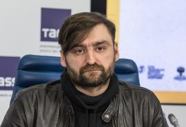 Режиссер Марат Гацалов о премьере спектакля по пьесе Евгения Шварца в Омской драме