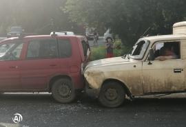 В Омске после ДТП пьяный водитель уснул в автомобиле