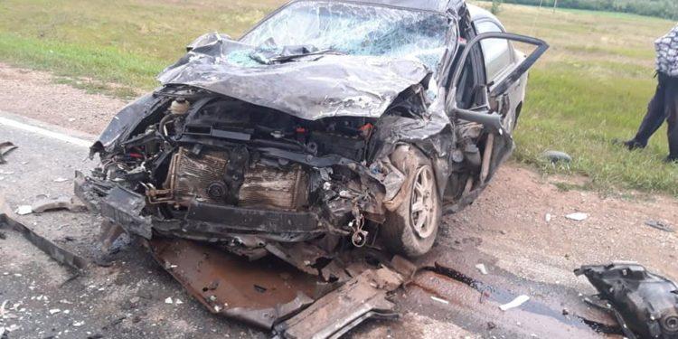 В Башкирии в лобовом ДТП погиб мужчина, трое в больнице