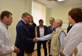 Бурков открыл уникальный детский хирургический стационар в Омске