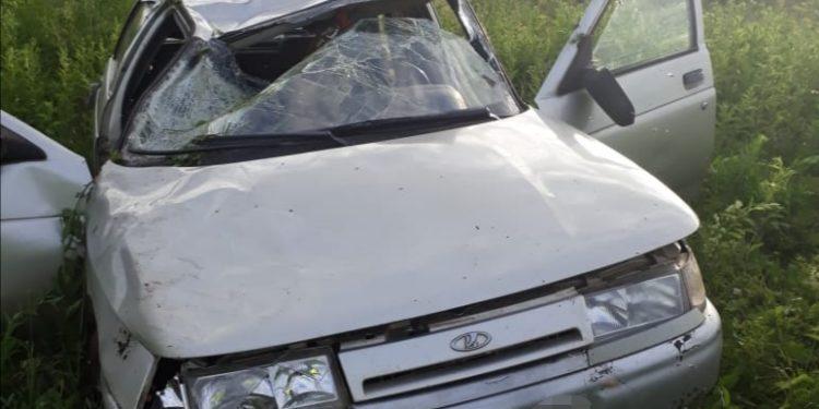 В Башкирии опрокинулся ВАЗ с водителем без прав, есть погибший
