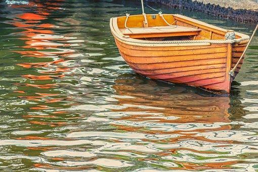 В Уфе перевернулась лодка, погиб мужчина
