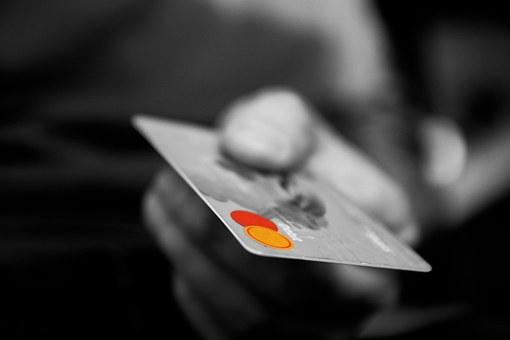 В Башкирии мошенники списали все деньги с карточки женщины