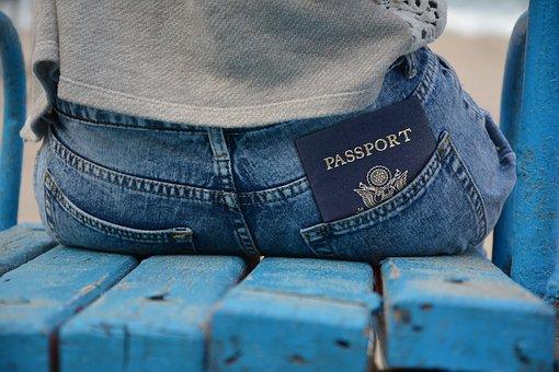 Стала известно, когда в России перейдут на электронные паспорта
