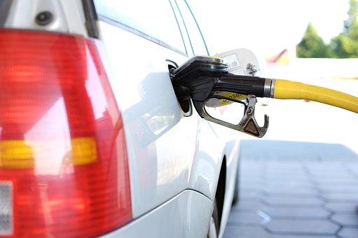 В России автомобилисты боятся резкого скачка цен на топливо