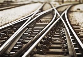 В Омске временно закроют для автомобилей один из железнодорожных переездов
