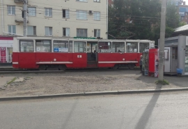 На омскую старушку наехал трамвай