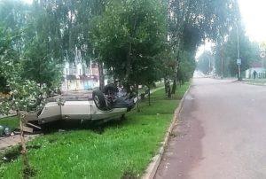 В Башкирии пьяный водитель врезался в бордюр