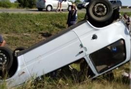 На трассе в Омской области перевернулась «Ока» с пенсионером за рулем