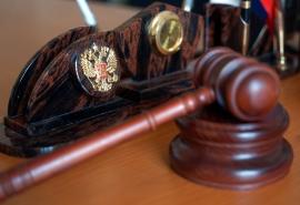 В омской области директор компании, обставивший судебных приставов, выбивал через суд свою зарплату