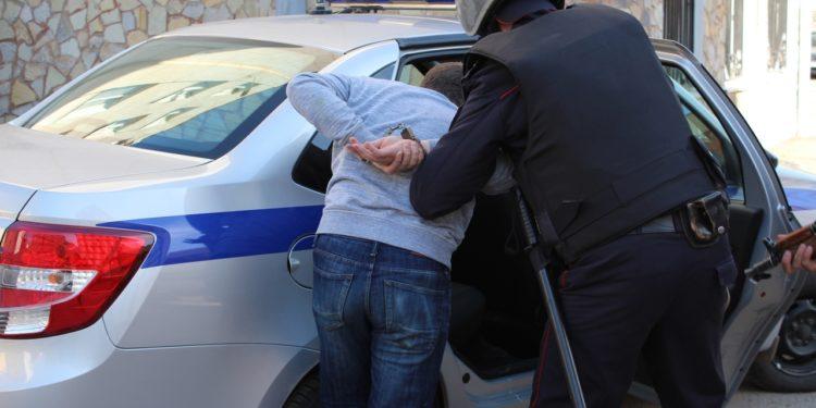 В Башкирии мужчина напал на продавца пивбара