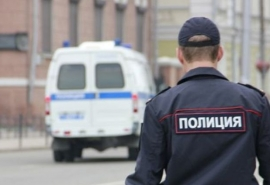 В Омской области мужчина набросился на ребенка и попытался раздеть