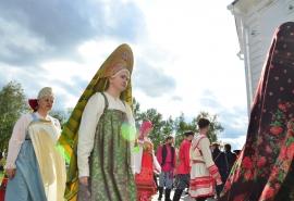 Омички продемонстрировали красоту народного костюма