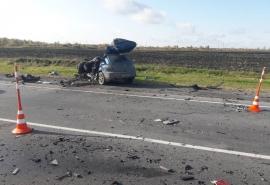 Водитель «Мазды», погибший в лобовом столкновении на трассе Омск – Тюмень, получил права за неделю до ДТП