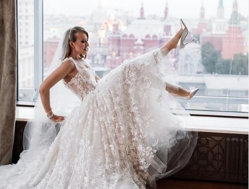 Ксения Собчак показала роскошные подарки со свадьбы