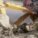 В Нефтеюганском районе омич утопил самосвал и экскаватор: как так вышло?