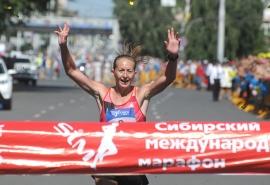 Омичка Марина Ковалева стала победительницей Московского марафона
