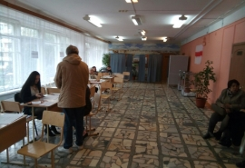 ИНСАЙДЫ НЕДЕЛИ: омичей заманивают на выборы под предлогом школьных собраний