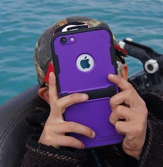 Ученые подтвердили негативное влияние смартфонов на детей