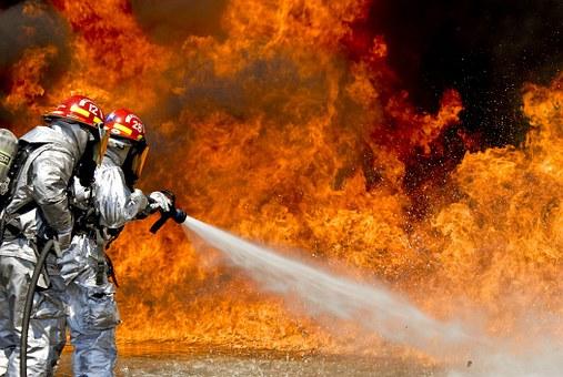 В Геленджике произошел крупный пожар на центральном рынке