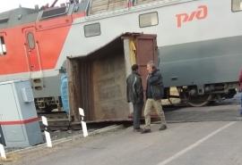 В Омской области поезд протаранил грузовик