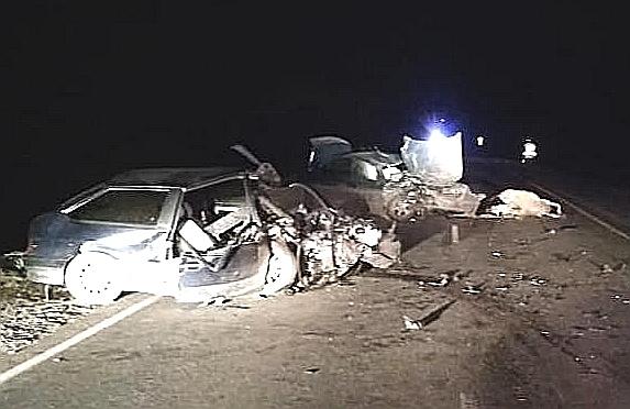 В смертельном ДТП в Башкирии «ВАЗ» влетел в иномарку, сбившую корову