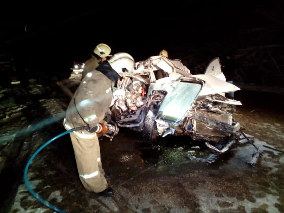 В Башкирии в жутком ДТП с грузовиком погибли два человека