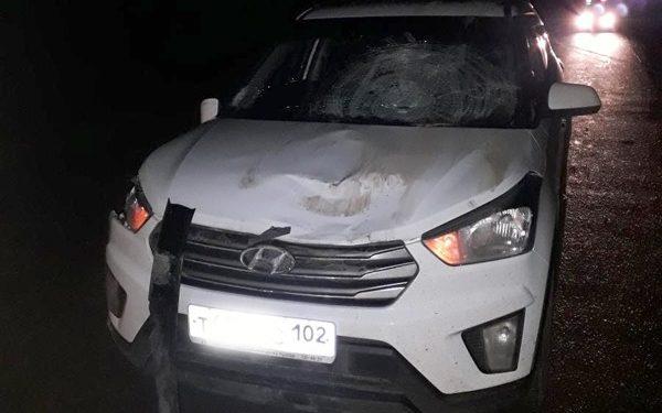 В Башкирии кроссовер сбил 2 пешеходов, один из них погиб
