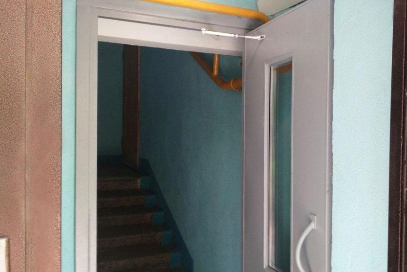 В Уфе продолжается ремонт подъездов в многоквартирных домах