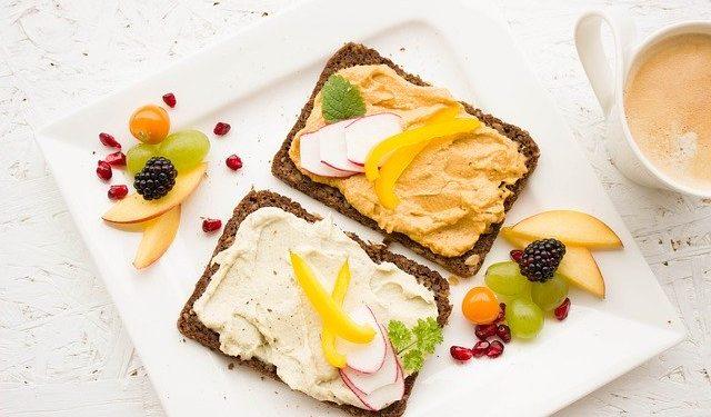 Диетолог перечислила самые вредные продукты для завтрака