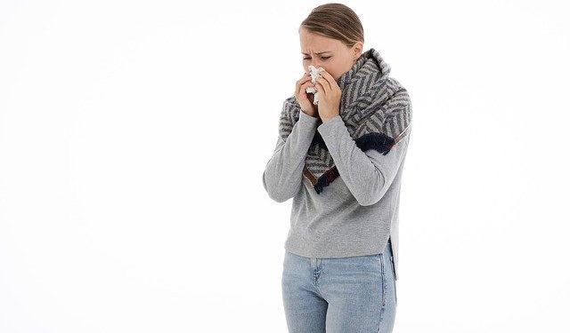 Врач назвала опасные ошибки при лечении насморка