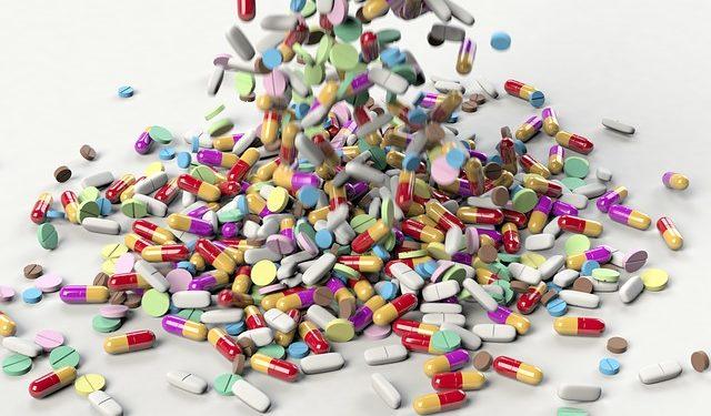 Шесть опасных для пожилых людей лекарств назвал американский врач