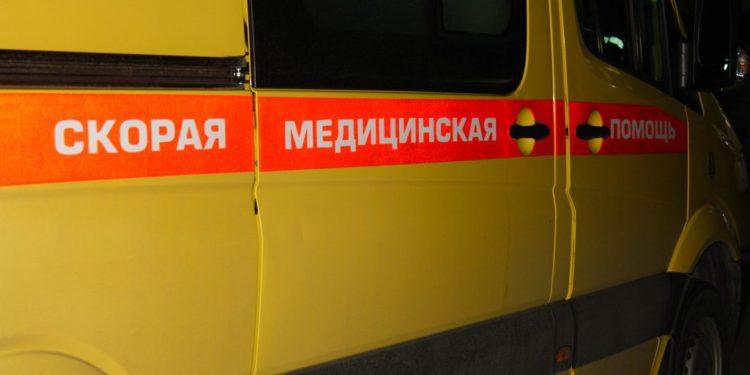 В Башкирии автомобиль травмировал механика, зажав его к стене