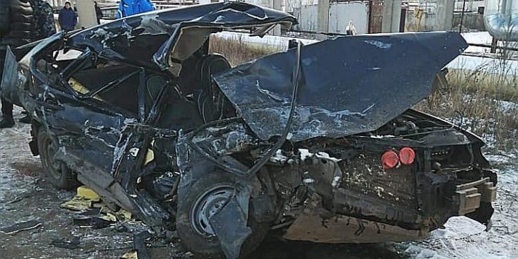 В Башкирии в тройном ДТП с грузовиком погибли двое